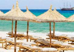 Mövenpick Resort & Marine Spa Sousse - Sousse - Beach