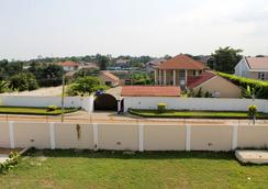 Empire State Hotel - Accra - Outdoor view