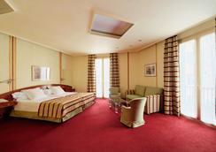 Hotel Colon Barcelona - Barcelona - Bedroom