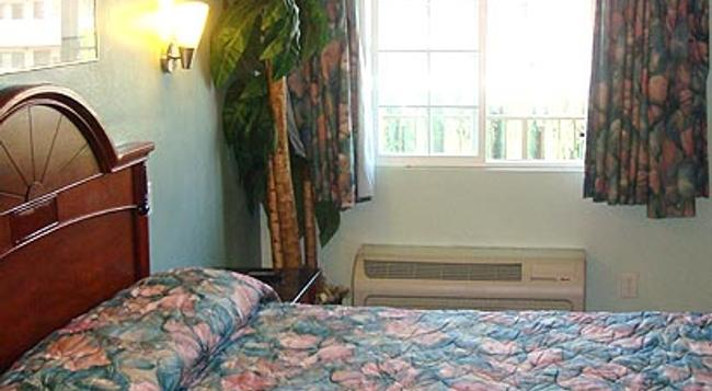 Pacific Inn Anaheim - Anaheim - Bedroom