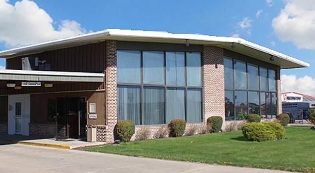 Western Inn South - Kearney - Building