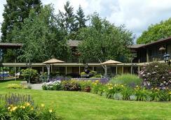 Village Inn Springfield - Springfield - Outdoor view