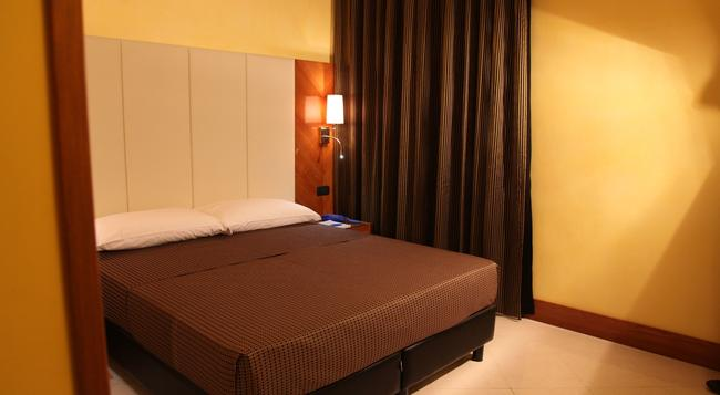 Federica's Home - Rome - Bedroom