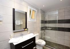 Pela Mare Hotel - Agia Pelagia (Malevizi) - Bathroom