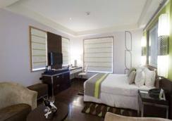 Leisure Inn West Gurgaon - Gurgaon - Bedroom