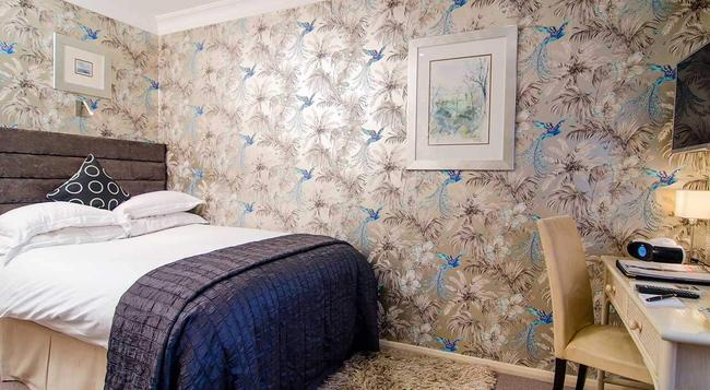 The Beaufort Hotel - London - Bedroom
