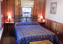 Apache Village Cabins - Ruidoso - Bedroom