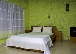 Big Apple D.E Hotel - Accra - Bedroom
