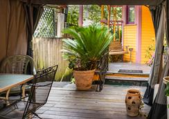 Blue60 Guest House - New Orleans - Patio