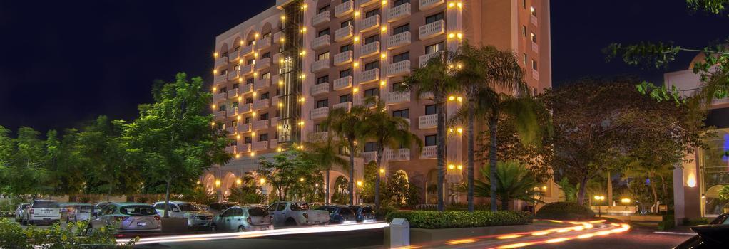 Hotel Lucerna Culiacan - Culiacan - Outdoor view