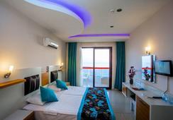 Kleopatra Ada Beach Hotel - Alanya - Bedroom