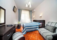Hotel Konstantinopol - Vityazevo - Bedroom