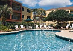 Courtyard by Marriott Orlando Lake Buena Vista at Vista Centre - Lake Buena Vista - Pool