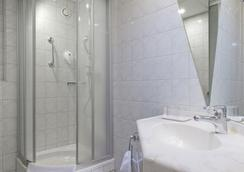 Days Inn Berlin City South - Berlin - Bathroom
