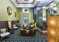 Holiday Inn Express & Suites Orlando - Apopka - Apopka - Lobby