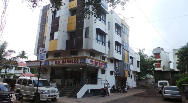 Hotel Royal Residency Executive - Sangli - Building