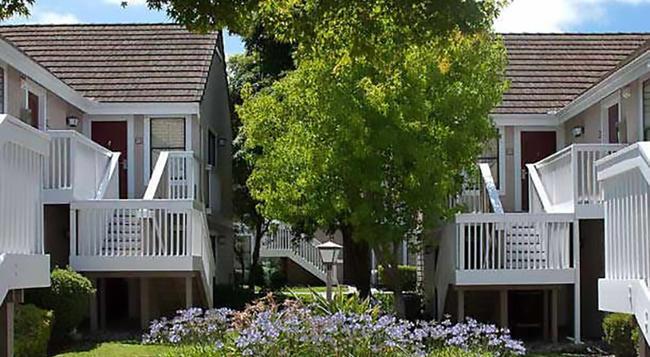 Residence Inn by Marriott Sunnyvale Silicon Valley II - Sunnyvale - Building