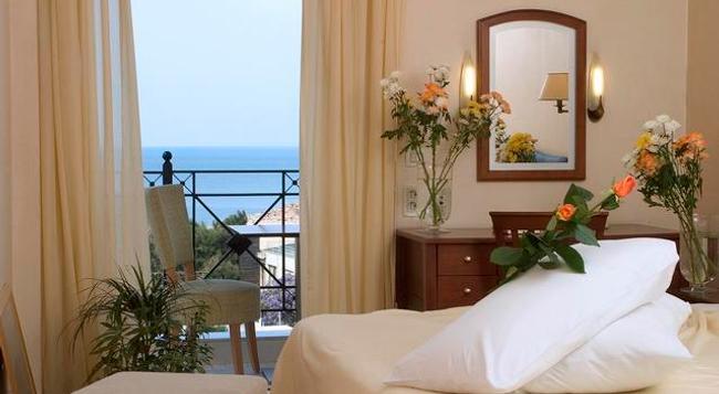 London Hotel - Glyfada (Attica) - Bedroom