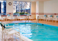 Courtyard by Marriott Arlington Rosslyn - Arlington - Pool