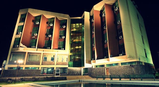 Hotel Devi Grand - Katra - Building