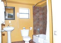 San Marina Motel - Daytona Beach - Bathroom