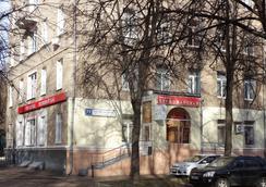 Hotel Pervomayskaya - Moscow - Outdoor view