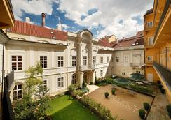 Pachtuv Palace - Prague - Outdoor view