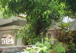 Nathan's Holiday Home - Kochi - Outdoor view
