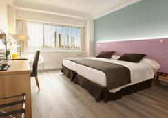 Hotel Weare Chamartín - Madrid - Bedroom