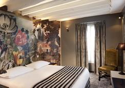 Hotel le Notre Dame - Paris - Bedroom