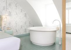 Le Lapin Blanc - Paris - Bathroom