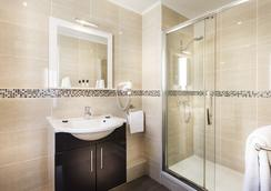 Hotel Chatillon Montparnasse - Paris - Bathroom