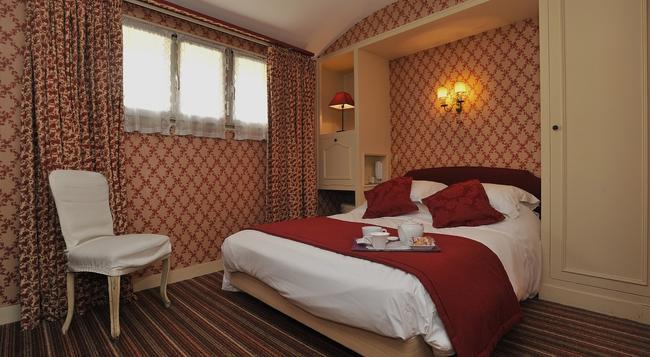 George Sand - Courbevoie - Bedroom