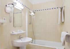 Hotel du Quai Voltaire - Paris - Bathroom