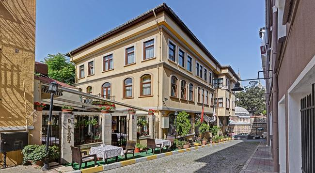 Arena Hotel Istanbul - Istanbul - Building