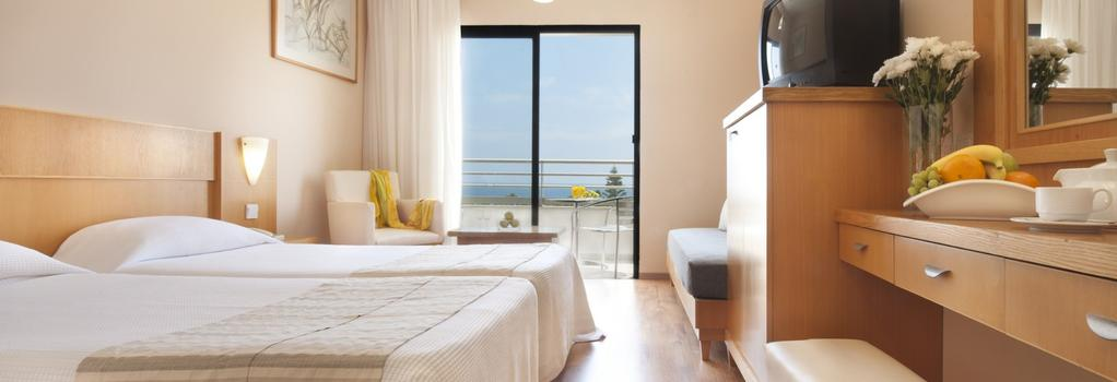 Louis Phaethon Beach - Paphos - Bedroom