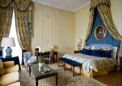 Chateau Les Crayeres - Reims - Bedroom
