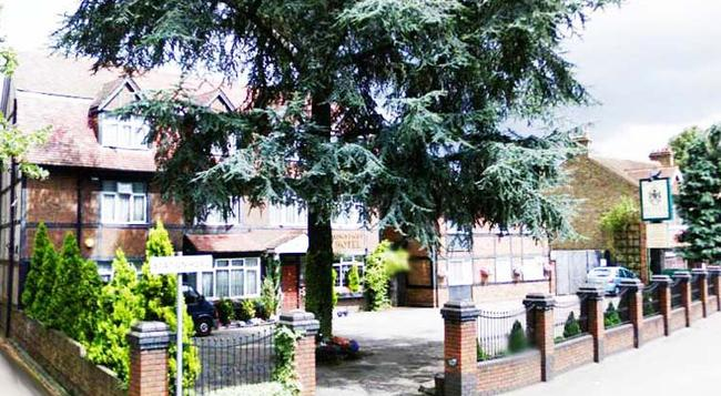 Kings Paget Hotel - West Drayton - Building