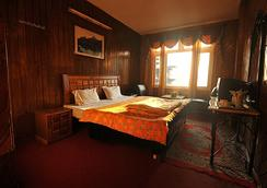 Hotel Kings - Dalhousie - Bedroom