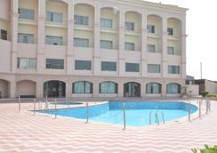 Ark Hotel & Resorts - Rudrapur - Pool