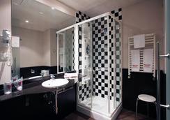 Petit Palace Madrid Aeropuerto - Madrid - Bathroom