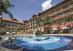 Empress Residence Resort & Spa - Siem Reap - Pool