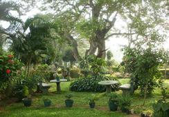 Nilketha Villa Eco Hotel - Anuradhapura - Outdoor view