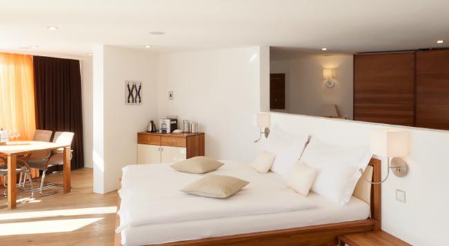 Relais & Chateaux Waldhotel Fletschhorn - Saas Fee - Bedroom