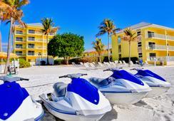 Sandpiper Gulf Resort - Fort Myers Beach - Beach