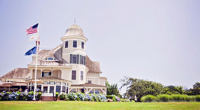 Castle Hill Inn - Newport - Building