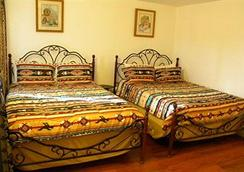 Grand Motel - Williams - Bedroom