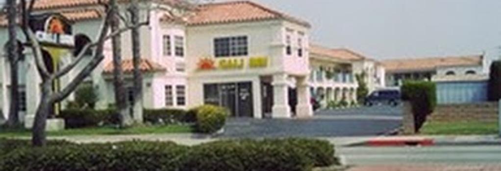 Cali Inn - Carson - Building