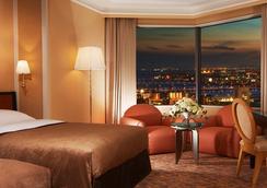 Hotel Hankyu International - Osaka - Bedroom