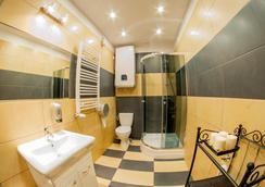 Dizzy Daisy Hostel - Krakow - Bathroom